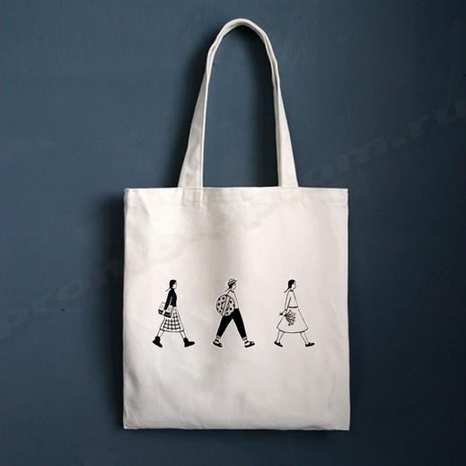 сумки с фирменным логотипом